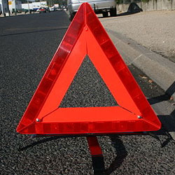 Triangle de signalisation à placer 100 mètres avant l'accident