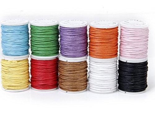 Rouleaux de fils multicolore