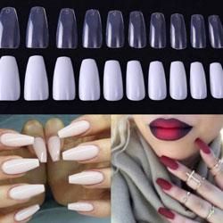 """Pose de faux ongles de type """"capsule"""""""