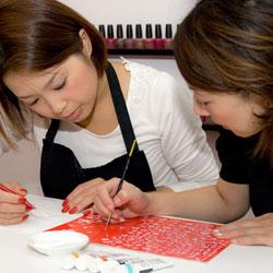 Apprendre la création de motifs pour ongles