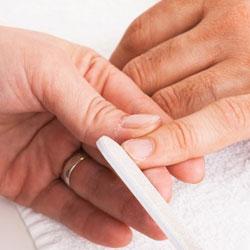 Messieurs voici comment bien limer vos ongles