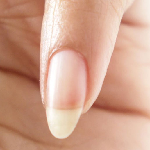 """Forme d'ongle limer de façon """"ovale"""""""