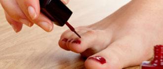 Se faire soi-même les ongles des pieds